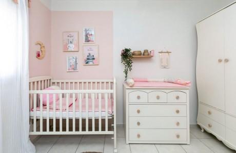 אורית וילקר מעצבת חדרי ילדים/ידיות עץ טבעי