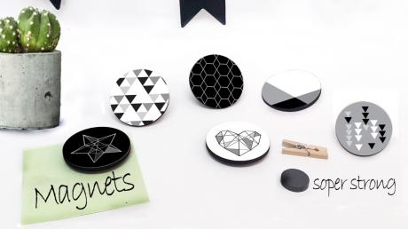 סט של 6 מגנטים מעוצבים למקרר/מגנטים עגולים ללוח הודעות/שחור לבן /גאומטרי