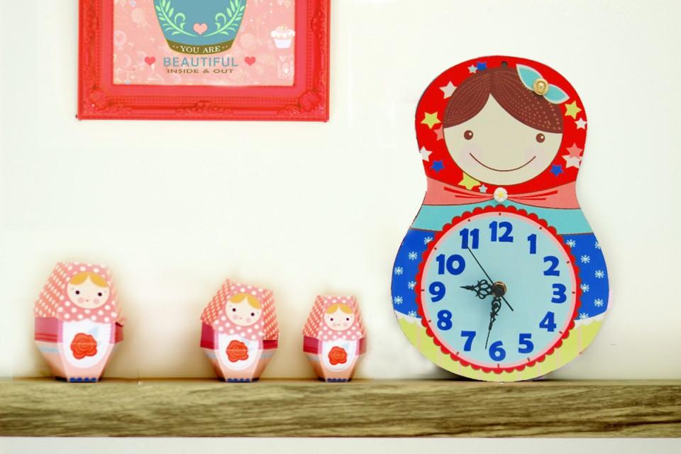 שעון קיר לחדר ילדים/בבושקה/שעון מעוצב לבית/מנטה/ורוד