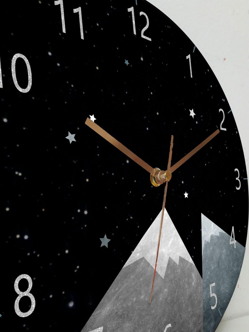 שעון קיר לחדר ילדים/שעון קיר מעולצב/עיצוב לחדר ילדים/שחור לבן/עיצוב מנימליסטי