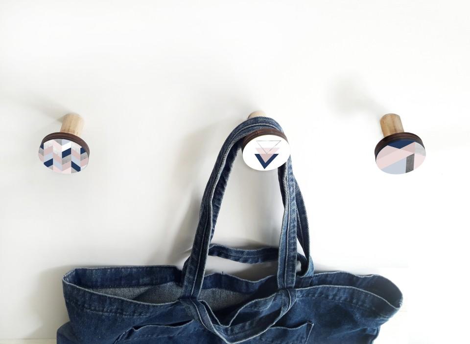 שלישית מתלים מעוצבים לבית /מתלים לבגדים ותכשיטים/סט בגווני ורוד מעושן וכחול כהה