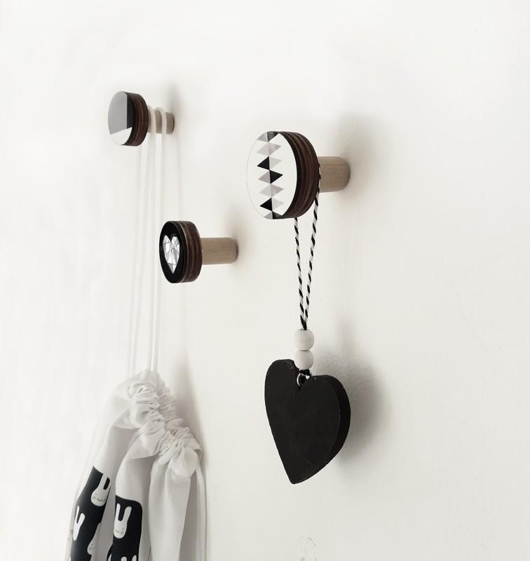 מתלים מעוצבים לחדרי ילדים ולבית/מתלים לבגדים/שחור לבן/סט של 3