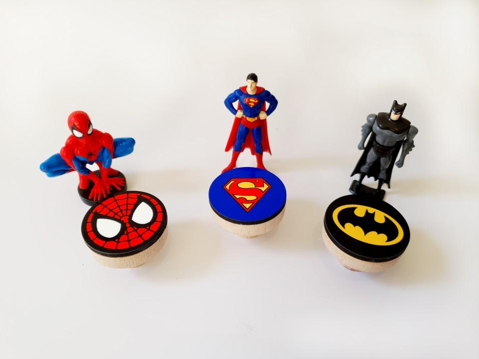 סט של ידיות גיבורי על/ ידיות לחדר של בן/ידיות מעוצבות לחדרי ילדים/באטמן ספיידרמן וסופרמן