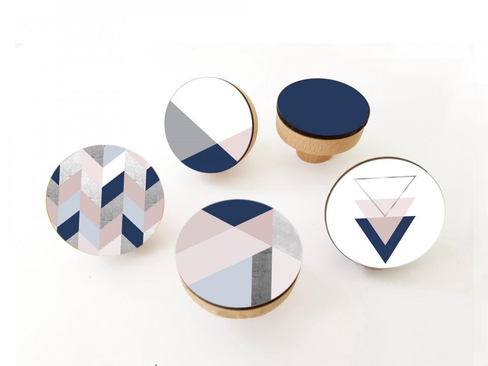 סט של ידיות מעוצבות בכחול ורוד/עיצוב מנימליסטי סקנדינבי /ידיות לארון/ידיות עץ עגולות